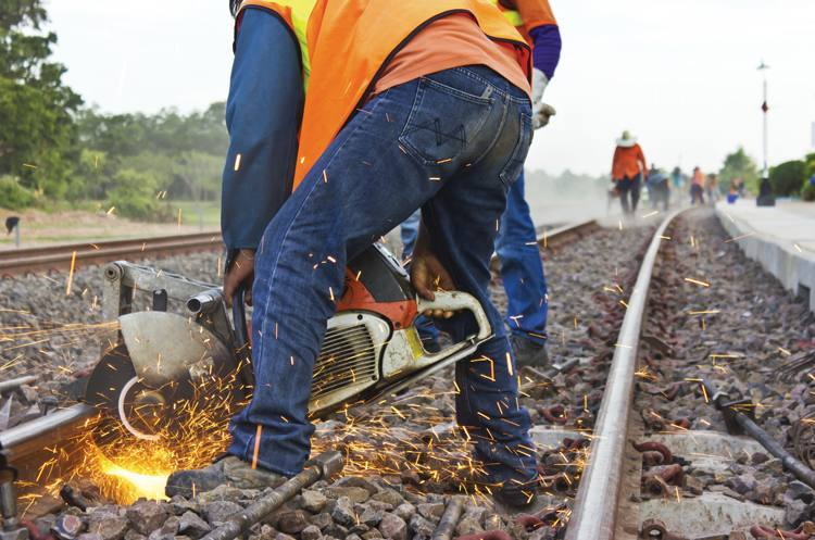 How to cut rail track