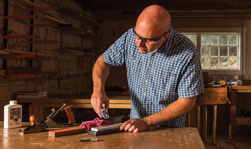 Sharpening Planer Blades & Chisels   Norton Abrasives