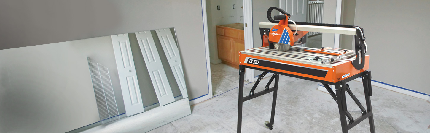 Norton Clipper tile saw in action