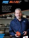 Paul Gray trzymający krążek ścierny Blaze X