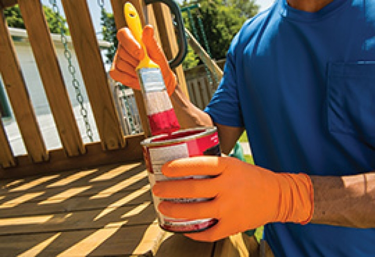 Choosing the right paint brush has a big impact on the finished look of your paint job