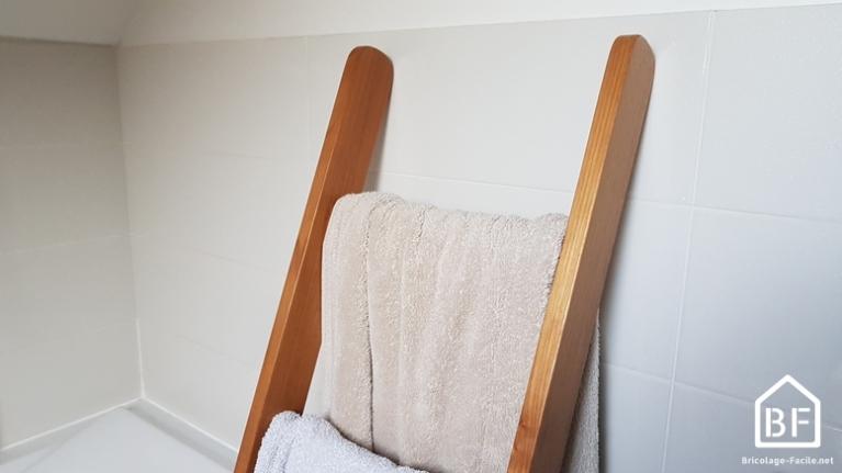 Echelle en bois de salle de bain