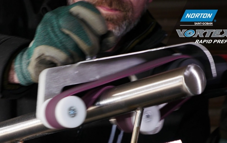 finishing_a_stainless_steel_handrail_105a1e8cf0c8a4b