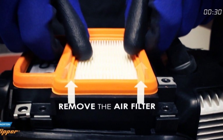 How to change the air filter on a Norton Clipper CP512/514