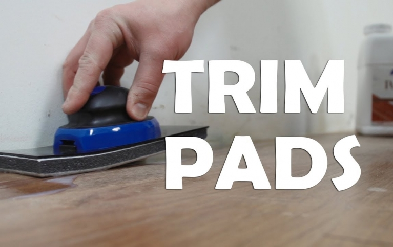 trim_pads_for_applying_floor_finish_in_hard-to-reach_areas_105c2e19ae09294